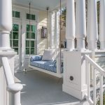 19d17b8431a7ce93061ed9214a4e92d8-front-porch-swings-front-porches.jpgbt